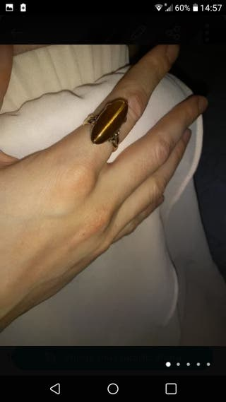 18 carat Yellow gold and tiger eye Ring