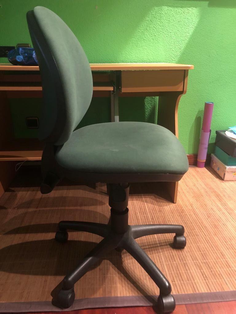 Escritorio y silla (Arroyo de la Encomienda, Valladolid)