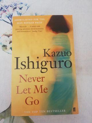 "Libro ""Never lem me go"" en ingles."