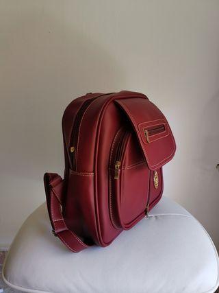 Bolso estilo mochila Granate.