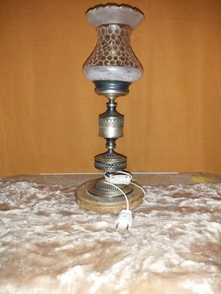 lamparilla antigua con pie de marmol