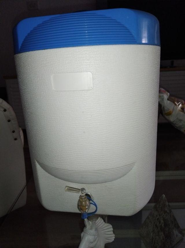 Nevera portátil para líquidos