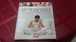 Libro sobre Embarazo y maternidad.