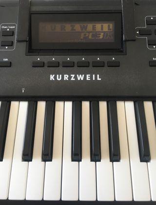 Piano / sintetizador Kurzweil PC3K6