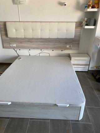 Dormitorio de matrimonio en buen estado
