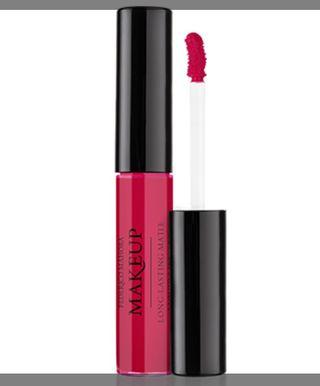 Liquid lipstick in crimson