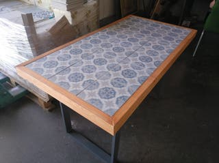 mesa de azulejos 2*1 metros