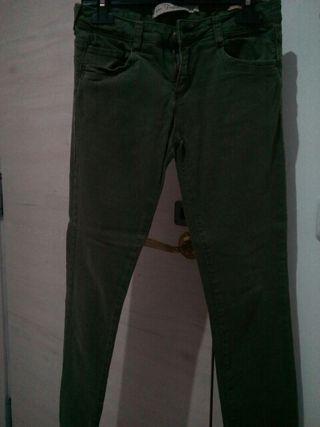 Pantalón verde oscuro talla S-34 / Falda azul S