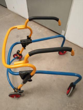 han dador para personas con problemas de movilidad