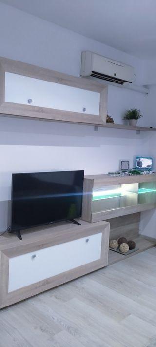 mueble nuevo solo un año , con luz LED
