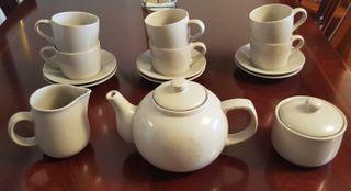 Servicio de desayuno, merienda o para un buen thé.