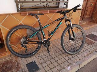 Bicicleta Giant Talent 2