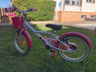 Bicicleta b-twin de paseo