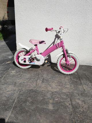 bicicleta de 12 pulgadas con ruedines