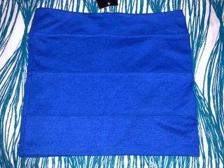 Falda Azul con etiqueta