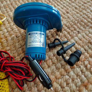 Inflador eléctrico para hinchable.