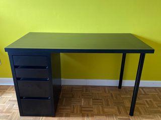 Mesa despacho Ikea con cajonera