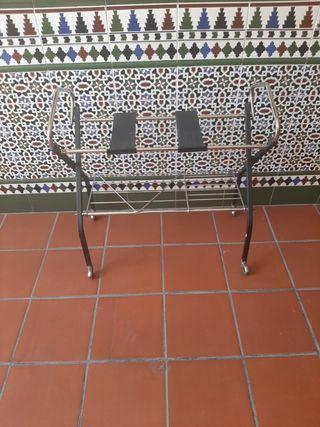 Mesa de televisión vintage