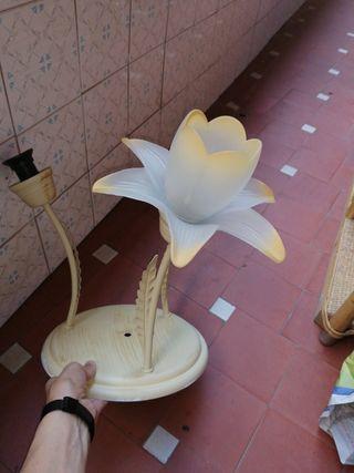 URGE Se vende Lámpara de techo. 3 casquillos