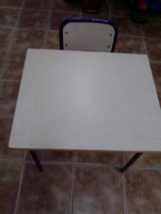 pupitre y silla escolar