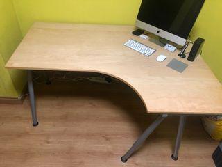 Mesa Oficina Ordenador en esquina IKEA