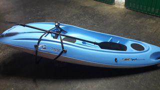 Se vende Kayak rigido con pala y ruedas transporte