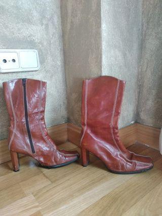 Botas de piel T37-38 sin forro