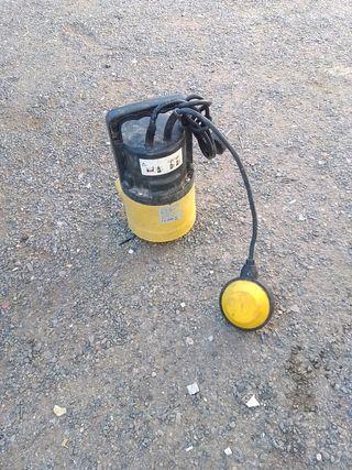 hola se vende una bomba de agua