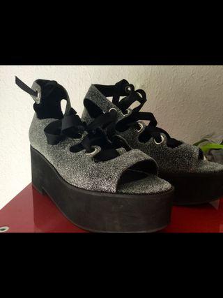 Sandalias plataforma brillo plata