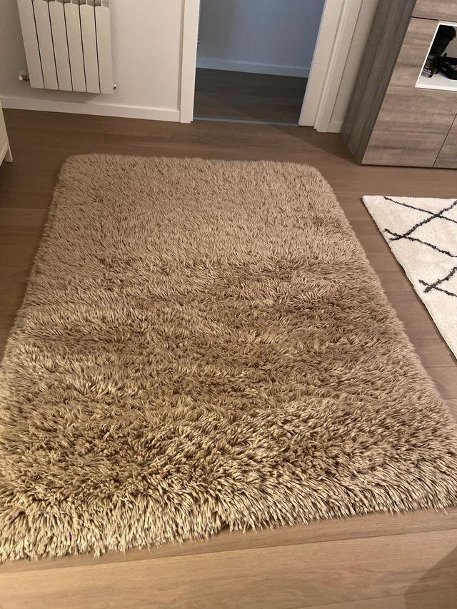 Alfombra lana en perfectas condicione