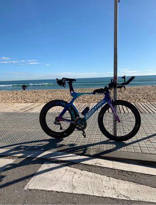 Bicicleta - Cabra triatlón Kestrel 4000