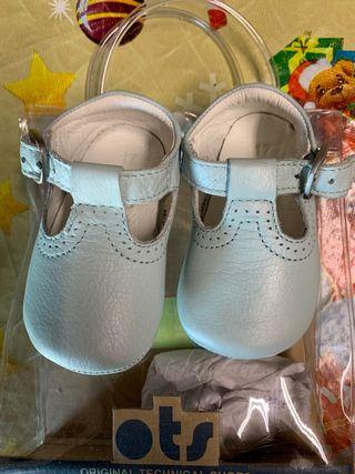 Se vende zapatos bebe