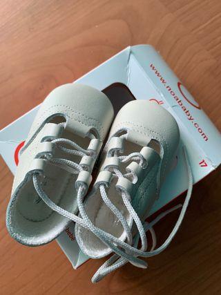Se venden zapatos sin suela (badana)