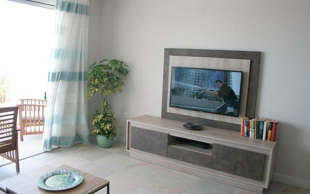 Apartamento en primera línea de playa en Estepona (La Gaspara, Málaga)