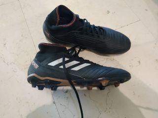 botas de futbol de tacos predator adidas
