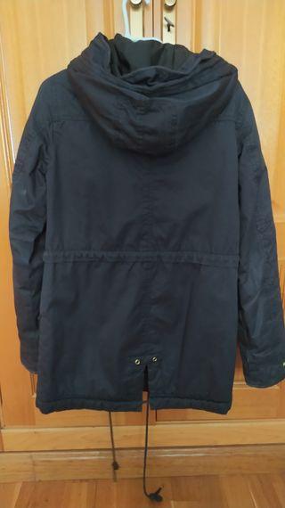 Abrigo Negro Bershka