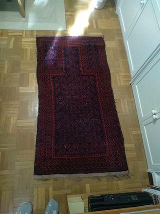 Cuatro alfombras persas