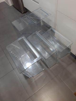 Cajones y bandejas frigorifico combi AEG
