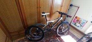 Bicicleta BTT Cannondale 26'