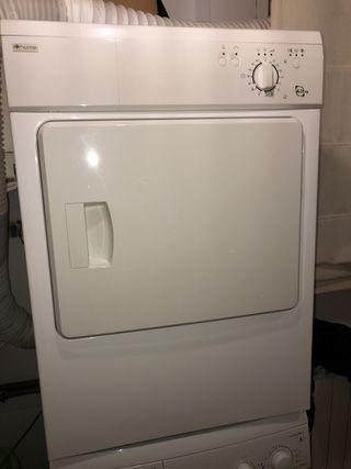 Secadora de ropa por evacuación