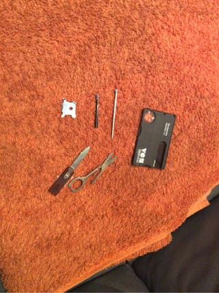 Kit de herramientas en formato tarjeta de credito
