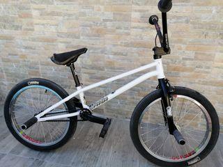 Bicicleta FLATLAND Suelo BMX St. Martin completa