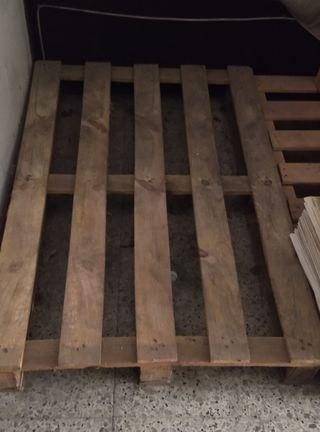 11 palets antiguos de madera