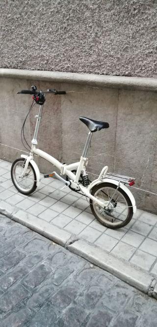 """Bicicleta plegable, rueda 16"""" y suspensión traserá"""