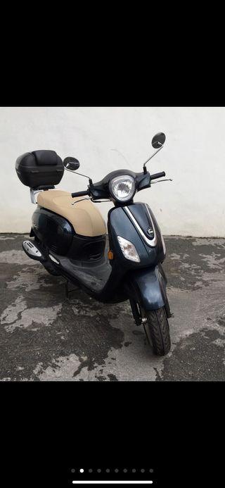 Moto Sym Fiddle III- 125 estilo vintage con 1600km