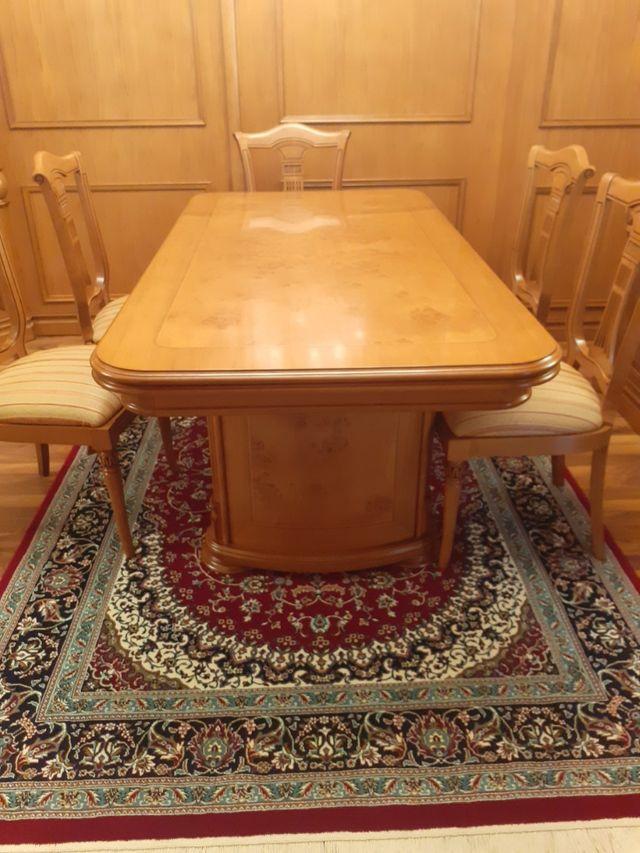 mesa ,madera maciza