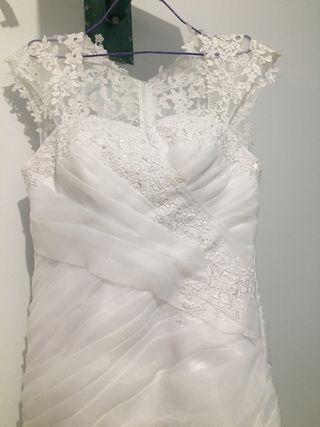 Vestidos de novia y comuniòn