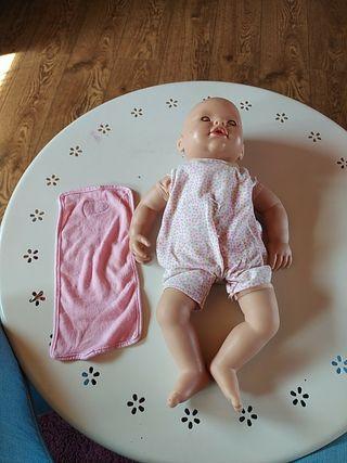 bebé blandito más toalla DESINFECTADO