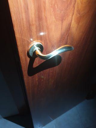 Puerta con marco