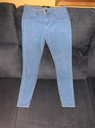 Jeans de Bershka semi nuevos